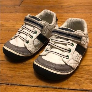 Stride Rite 5.5W toddler sneakers